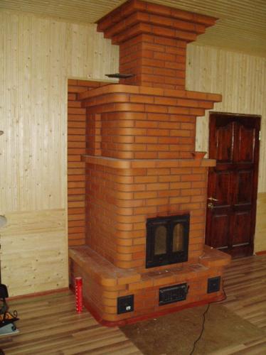 Кирпичная печь камин для дачи: кладку печи и камина следует вести согласно чертежам.